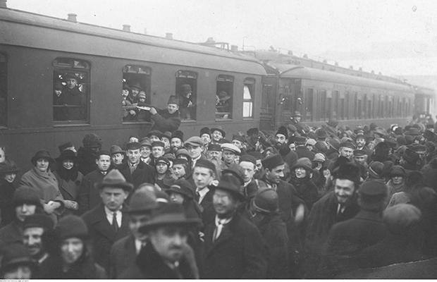 Chwila w maju 1921