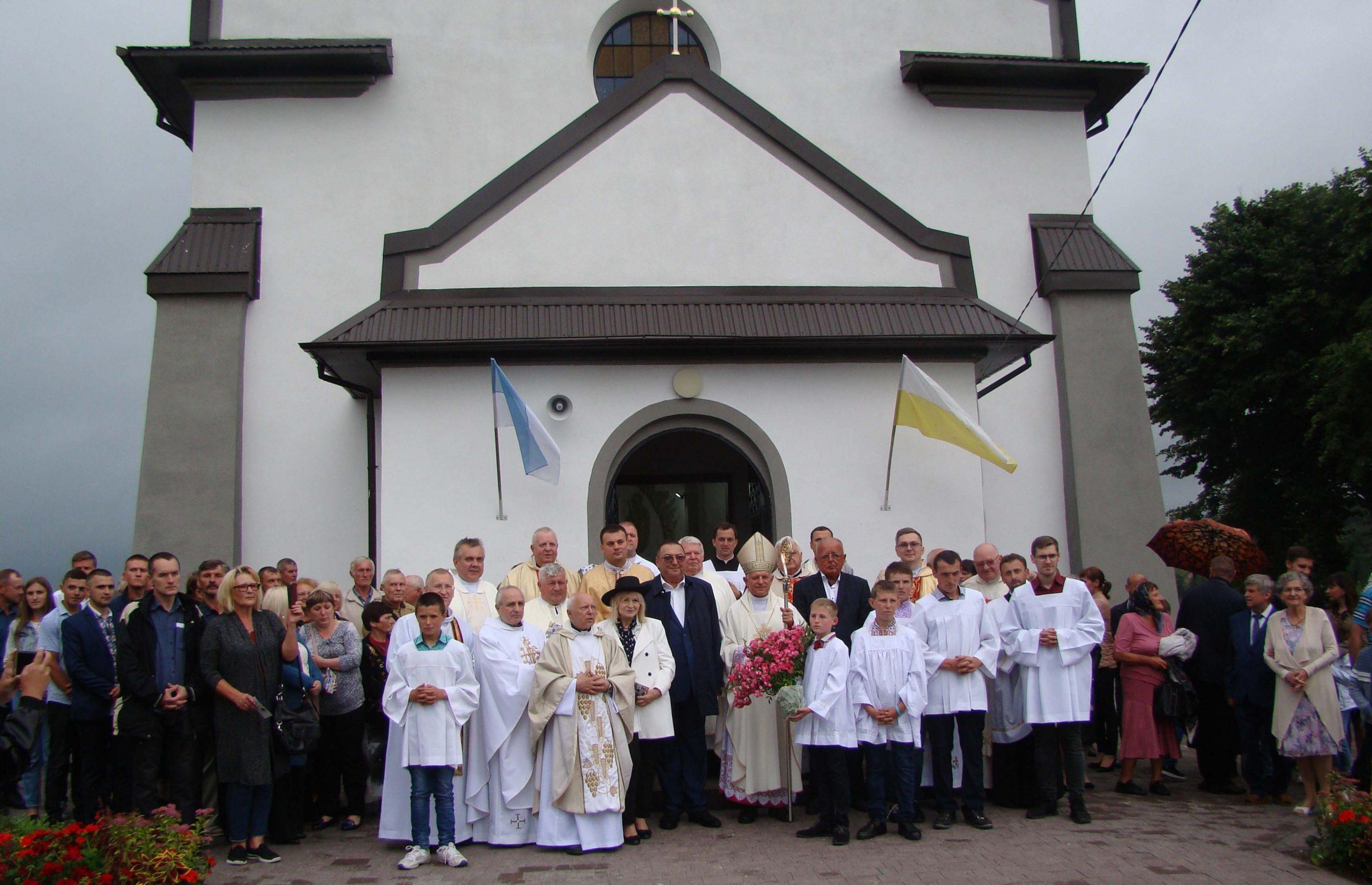 Jeszcze jeden rzymskokatolicki kościół uratowany – w Ciemierzyńcach