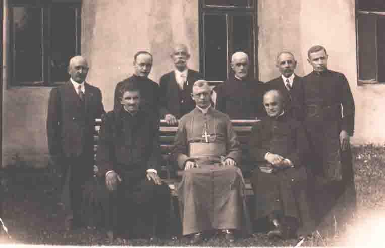Kościół rzymskokatolicki na terenie dawnej diecezji przemyskiej w latach 1945–1991. Część 1